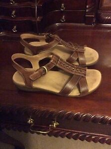 Women's Sandals by Naturalizer Size 7.5