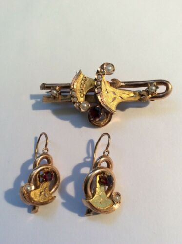 Antique Victorian 10k Gold Garnet  & Seed Pearl Brooch Pin and Earrings  Set