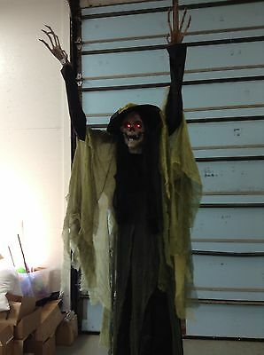 Grandinroad Halloween Animated Casting Spell Witch life size 9' speaks moves