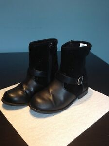 Girls Black faux leather ankle boots Gymboree size 13 Great Cond