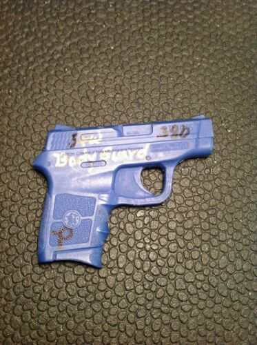 Rings Blue Gun Smith & Wesson Body Guard Holster Mold