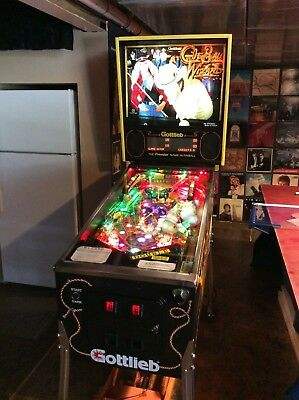 GOTTLIEB CUE BALL WIZARD PINBALL MACHINE