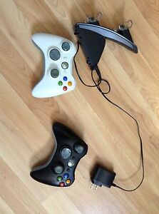 2 manettes Xbox 360 + Chargeur