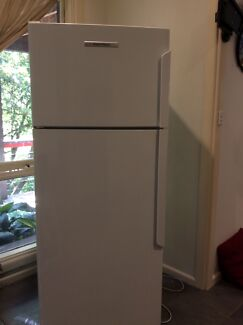 Fisher & Paykel fridge 380 litres e381trt2  Avalon Pittwater Area Preview