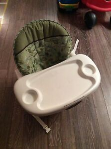 Chaise haute Space Saver Fisher Price