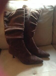 Brown boots good condition  London Ontario image 2