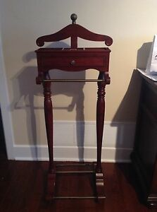 Bombay suit valet stand/caddy