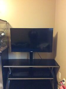 32' RCA HD TV with 3 tier mounting stand. GREAT CONDITION.