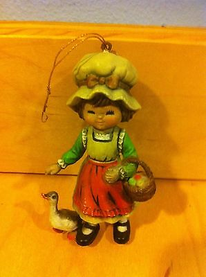 VINTAGE CERAMIC GIRL WITH DUCK ORNAMENT ~L-78 *