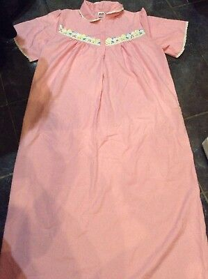 VINTAGE Pink/White Floral Short Sleeved Nightie Size OS