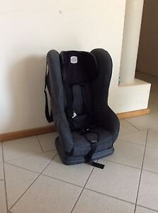 Britax Safe and Sound Compaq Car Seat North Beach Stirling Area Preview