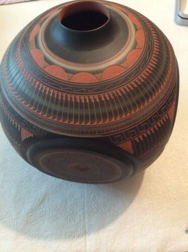 NATIVE AMERICAN NAVAJO STYLE HAND ETCHED POTTERY WATER VASE SEED JAR LARGE