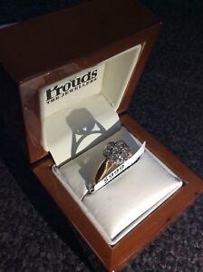 63885 - 18CT Yellow Gold  Diamond Ring 4.6g Frankston Frankston Area Preview
