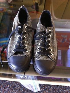 Silver and black sneakers size 8 ladies Redland Bay Redland Area Preview