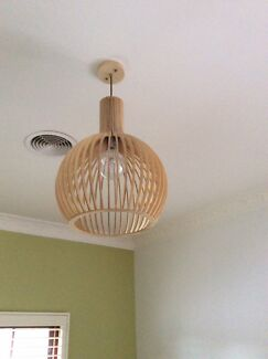 BEAUTIFUL TIMBER. PENDANT LIGHT Adamstown Newcastle Area Preview
