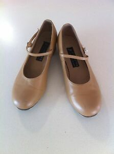 Adult women's tan tap shoes by Energetiks size 9 Noosaville Noosa Area Preview