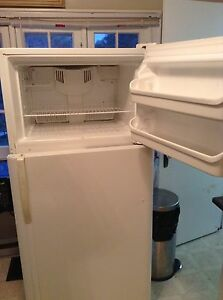 FRIDGE STOVE AND WASHER AND DRYER FOR SALE London Ontario image 1