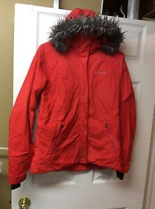 MONDAY ONLY $150 Columbia Lay D Down jacket
