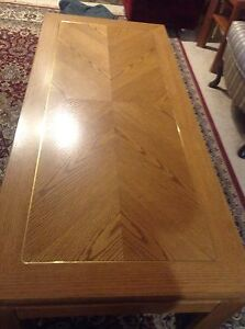 Beautiful Coffee Table- Excellent Condition Like New