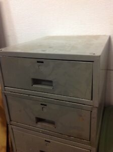 Heavy Duty Metal drawers (5)