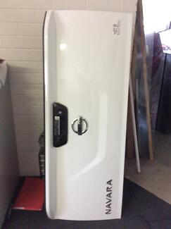 NISSAN NAVARA D23 TAILGATE LIKE NEW Logan Central Logan Area Preview