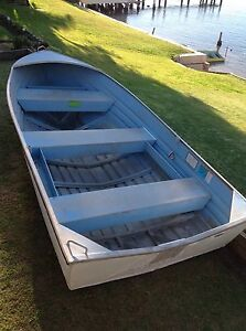 Aluminium boat with motor. Woy Woy Gosford Area Preview