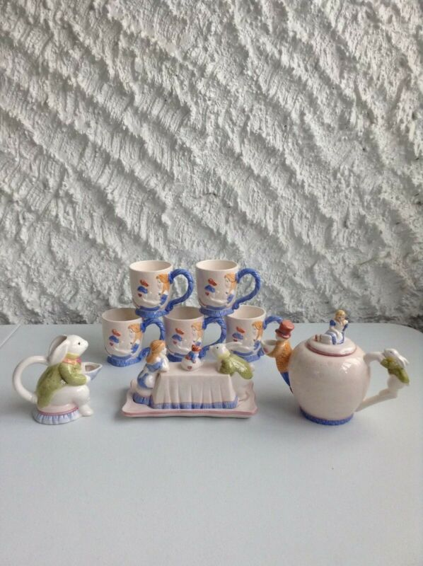 VINTAGE DISNEY APPLAUSE ALICE IN WONDERLAND TEA SET TEAPOT, BUTTER DISH AND MUGS