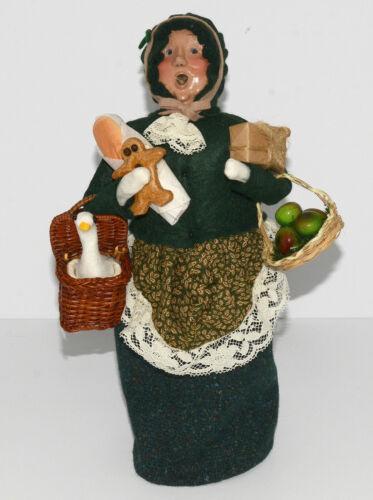 Byers Choice Caroler LADY, GOOSE, BASKET, APPLES, BREAD 1995, #7/100, Excellent