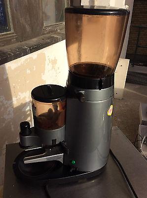 La Cimbali MAGNUM Kaffeemühle automatische Kaffeedosiermühle