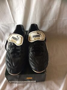 Puma brand size 6 adult/ youths leather soccer boots Wedderburn Campbelltown Area Preview