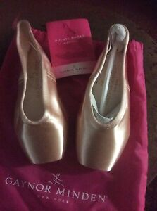Gaynor Minden Ballet Pointe Shoes Canning Vale Canning Area Preview