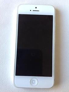 iPhone 5 64GB White/Silver phone only Crace Gungahlin Area Preview