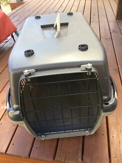Cat carrier, small dog carrier