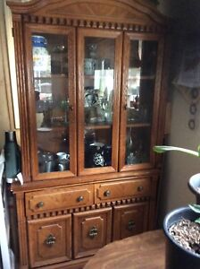 Oak table 6 chairs and hutch