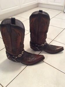Men's Leather Hand Crafted Cowboy boots size 9.5
