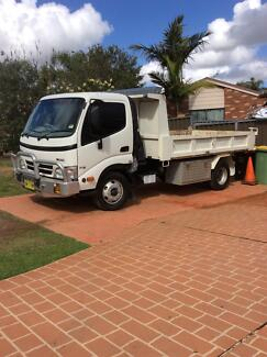 2010 Hino 300 series 716 tipper St Clair Penrith Area Preview