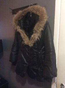 Manteau Mackage avec vraie fourrure grandeur large