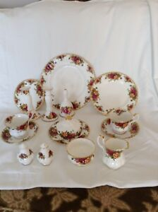 Old country rose dishes