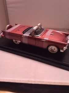 Die Cast 1957 Ford Thunderbird 1:18