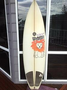 5'9 Sunhouse Surfboard for slae Oak Flats Shellharbour Area Preview