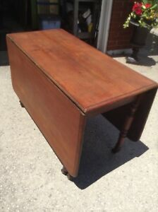REDUCED!!!! Antique gate leg table