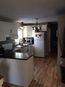 All brick Duplex 2 bedrooms-3bedrooms close to downtown
