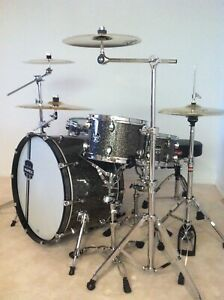 Limited Edition Mapex Kit with Cymbals and Hardware!