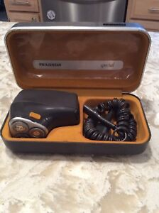 Vintage Philips Philishave Special Electric Shaver