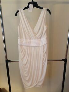 Brand new ivory dress  from Le Chateau size XXL