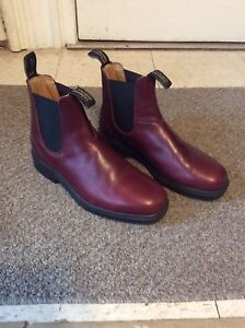 Blundstone Boots / Size 8 / Chisel Toe / Redwood