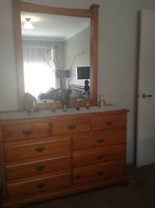 LOVELY SOLID TIMBER QUEEN BEDROOM SUITE Jindalee Wanneroo Area Preview