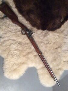 Replica flintlock rifle