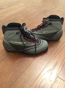 Cross Country TECHNO PRO boots size 9,5