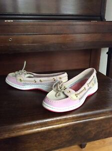 Leather Sperry size 5